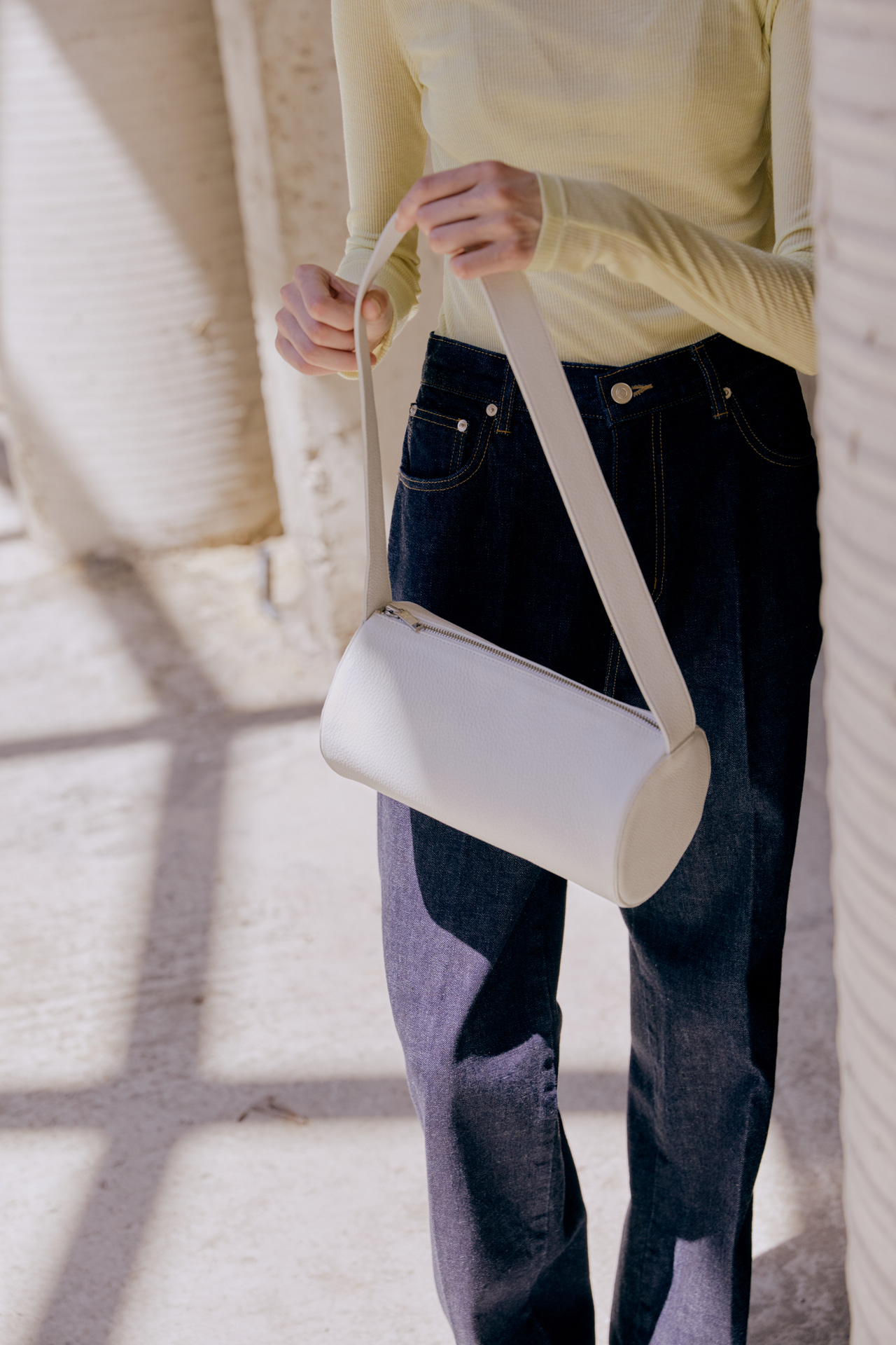 LEATHER ROUND BAG IVORY