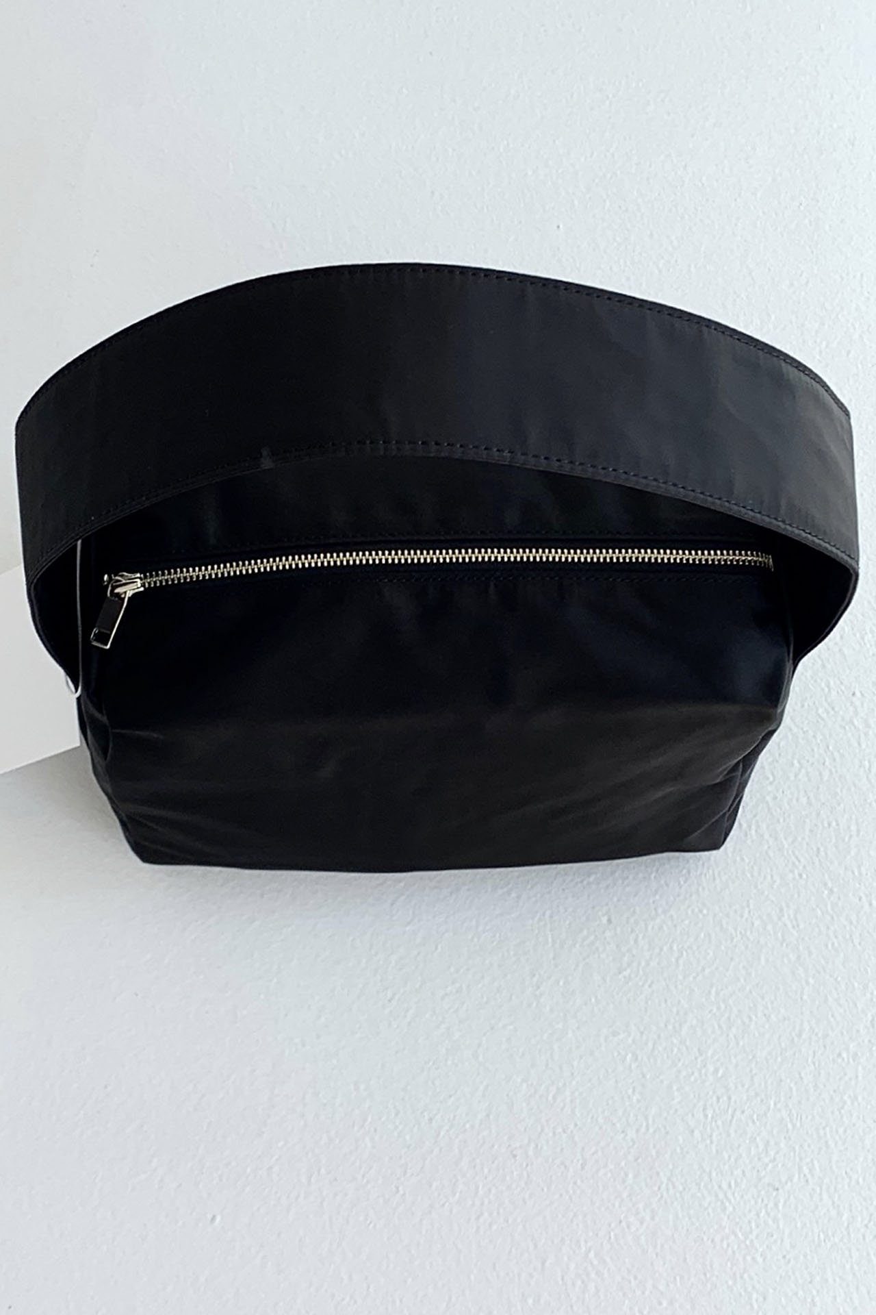 EASY SQUARE BAG BLACK